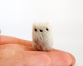 Tiny Kitty, Needle felted Kitten, Grey Cat, Desk kitty, Pocket kitty, Adopt a pet