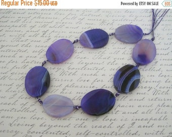 "30% OFF SALE 16"" long (8 pcs) Purple Agate Oval Shape Beads 30mmx40mm, Gemstone Beads"