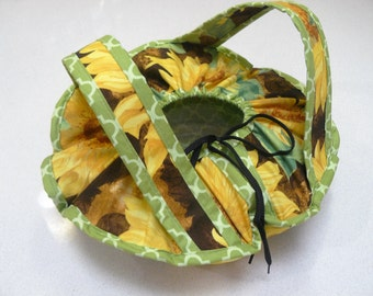 Casserole Carrier - food carrier - large yellow sunflowers