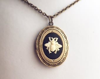 Bee Locket Cameo Necklace / Pick Your Length / Steampunk Victorian Costume / Keepsake Pendant Jewelry Antique Brass Bronze Photo Beekeeper