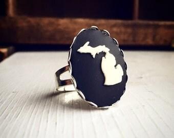 Michigan Cameo Ring / State Pride Vintage Style / Adjustable Silver Jewelry Gift / Black White Cream Steampunk Victorian Pirate Costume