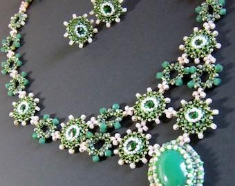 Emerald Spring Statement Necklace, Spring Green Swarovski Crystal Necklace Set, Green Swarovksi Crystal Necklace Set, Seed Beaded Necklace