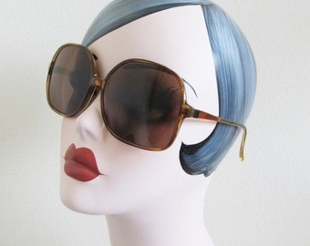 40% OFF SALE Vintage ladies Sunglasses / PRIMETTA Classic Chunky Large Style Woman's Aviator Summer Shades Glasses West Germany