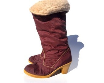 SALE!!!!!!!!!! Maroon heeled snow boots with sheep cuff and lining 1980s 80s VINTAGE