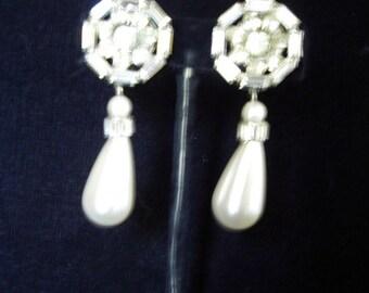 Three Dimensional Rhinestone Circle /Large Pearl Drop 50s Vintage Earrings  Item # 846  Jewelry