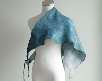 Wool and silk neck scarf in blue, green
