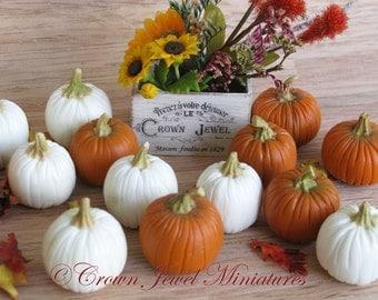 One 1:12 Pumpkin for Dollhouse by IGMA Artisan Robin Brady-Boxwell - Crown Jewel Miniatures
