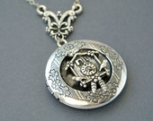 Cuckoo Clock Necklace, Cuckoo Locket Necklace, Clock Locket Necklace, Clock Necklace, Steampunk Necklace,Steampunk Jewlry,Time Necklace