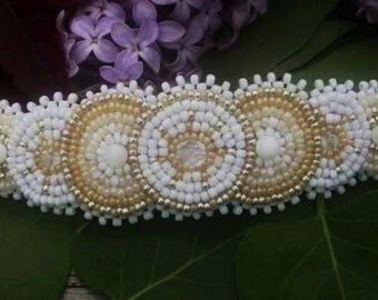 Bridal Native Inspired White Rosette Beaded Barrette, Beaded Hair Clip, Circle Beaded Clip, Wedding Beadwork Hair Jewelry, Crystal Beadwork