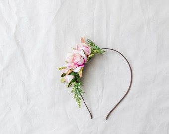 simple elegant summer rose blossom headband // creamy pink / bridal bridesmaid wedding floral headpiece flower crown fascinator accessory