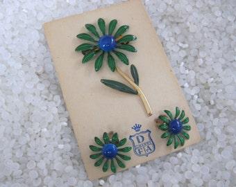 vintage enamel flower brooch  vintage Du Barry, still on store card