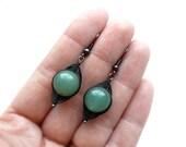 Wire wrapped green jade earrings, dangle earrings, copper earrings, clasic, wirewrapped, wire wrap, black, drop earrings