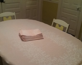 Vintage Pink Table Cloth with 12 Matching Dinner Napkins, Pink Tablecloth, Pink Linen Tablecloth, Pink Damask Linen, Antique Table Cloth