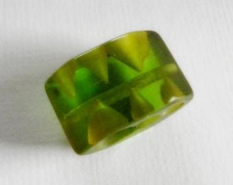 Green Prystal Bakelite Button Oddity
