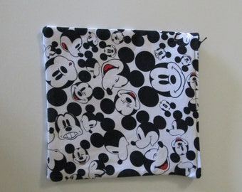 Smiling Mickey Mouse zippered pouch, cosmetic bag, make up bag, accessory bag