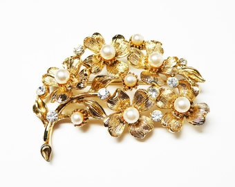 Lisner Pearl Flower Brooch - Goldtone Flowers with White Pearlescent Beads - Clear Rhinestones - Signed Lisner Vintage Pin