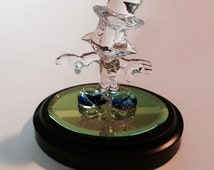Molded Glass Jiminy Cricket, Perfect in Every Detail, on  Color-Shifting Mirror and Oval Base