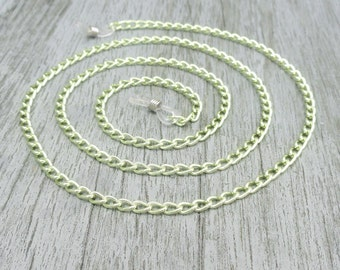 Green Glasses Chain, Eyeglass Chain, Simple Reading Glasses Chain, Eyeglass Necklace, Eyeglass Holder, Green Lanyard, Sunglasses Chain