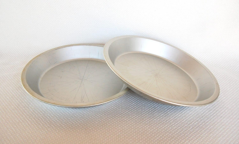Set Of 2 Vintage Mirro Aluminum 10 Inch Pie Pans Model 290am