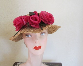 VINTAGE 1950's Summer Wavy Brim Straw Day Garden Event Hat with Pink Roses