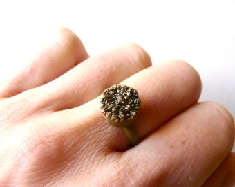 Delicate druzy golden oriental ring ( brass antiqued, indie , dream ) 01