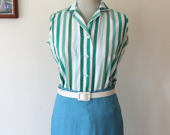 1950s Shapely Classic Cotton Button Up Blouse // Medium