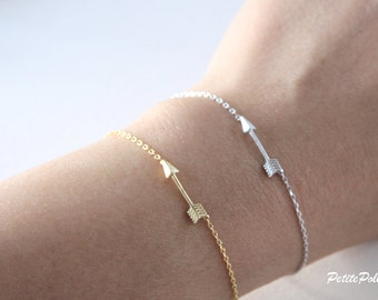Arrow Bracelet in Silver/ Gold. Simple Modern. Minimalist. Everyday Wear. Unisex Gift (PBL-21)