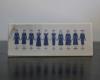 women's fashion tile, yearly silhouette 1945-1954