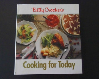 Cookbook Betty Crocker's Cooking For Today 3 ring Binder-EXCELLENT condition
