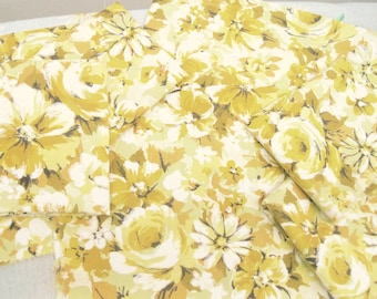VINTAGE SHEET Fat Quarter Yellow Floral VSY-04 Retro Bed Linen 1960s 1970s