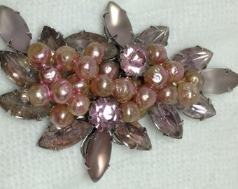Brooch with Pink Faux Pearls & Glass - Vintage
