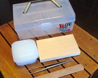 kanzashi making kit. set of Japanese cypress wood plank and bamboo spatula fir tsumamizaiku making. 144 x 83 x 19 mm. つまみ細工セット: