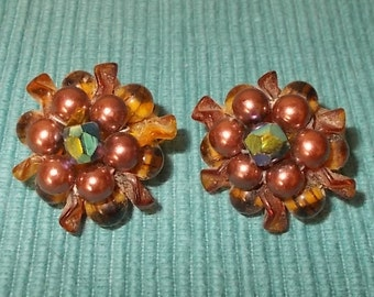 "Vintage 50s/60s RETRO Brown,Rose & Iridescent Bead Clip-on Ball Earrings-1"" diameter"