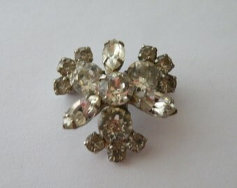Clear rhinestone pot metal snowflake