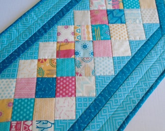 Quilted Table Runner Southwestern Colors, Quilted Table Topper, Table Quilt Southwestern Cactus Desert, Patchwork Table Runner Turquoise