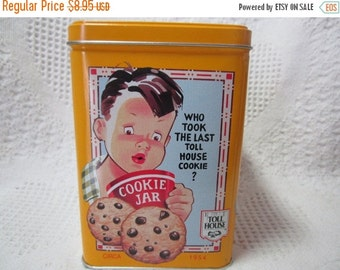 20% SALE Vintage Tin NESTLE Toll House Cookie Tin Container Yellow Americna Advertising 1970's