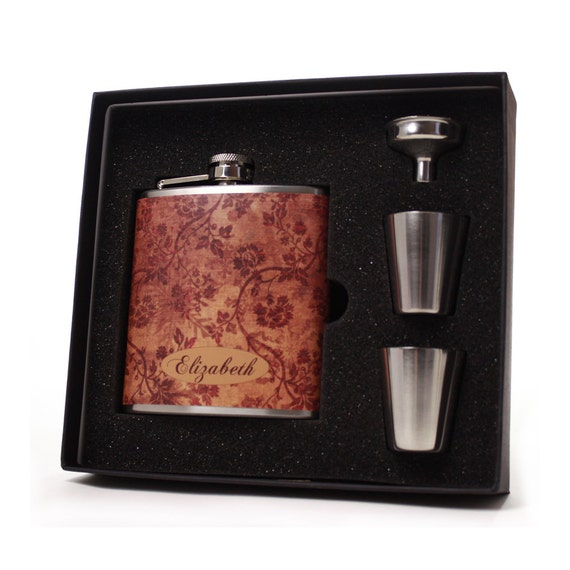 Personalized flask gift set // brown scallop design