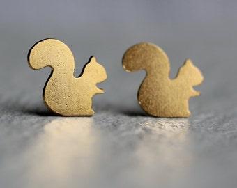 Squirrel Stud Earrings ... Gold Post Earrings Acorn