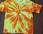 Tie dye sunburst youth tee size Small
