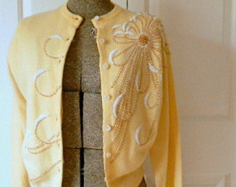 Vintage 50's wool beaded small cardigan Sweater