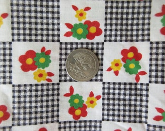 Vintage Fabric, Gingham and Flowers, Black and White Checks, Checks and Flowers, Cotton Fabric, Vintage Yardage, Yard Goods, Cottage Chic