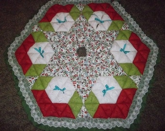 Christmas Tree Skirt - Biscuit Quilted - Ho Ho Snowmen