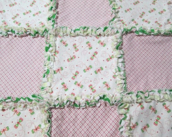 Infant Girls Mini Dragonflies and Coordinating Plaid Rag Quilt