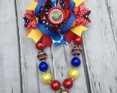 Wonder Woman Bubblegum Necklace, Wonder Woman Hair Bow, Girls Chunky Necklace and Hair Bow ,Bubblegum Chunky Necklace, Birthday Necklac