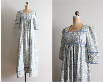 1970s Liberty of London floral print silk dressing gown - English floral nightgown / vintage silk dressing gown / Halloween costume