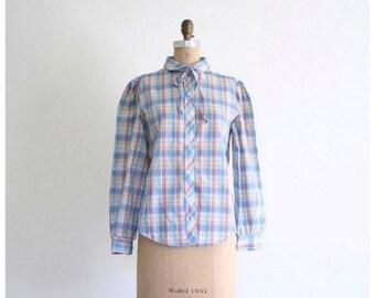 20% SALE soft blue plaid ladies shirt - 1970s preppy blouse / School Girl - vintage 70s plaid shirt / 70s college girl - rounded peter pan c