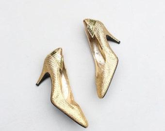 SALE / vintage 80s metallic gold silk snakeskin heels - new old stock 80s pumps / J. Renee heels - vintage 80s punk / New Wave pumps