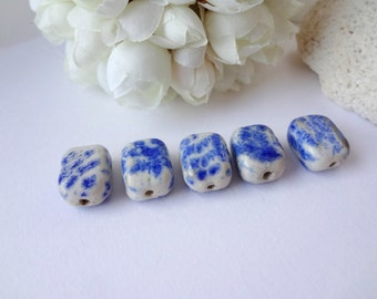 8 x 10 mm Vintage Ceramic Beads / Blue and White / 5 beads / Single Drilled