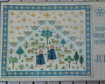 Vintage Danish cross stitch pattern book / Christmas / Gerda Bengtsson / Ida Winkler