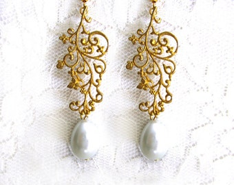 Art Nouveau Pearl Bridal Earrings Gold Leaf Branch Earrings Evening Elegant Wedding Jewelry Butterfly Antique Vintage Bridesmaid gift